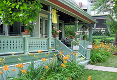 Front Porch (pdx3525) Tags: midwest iowa davenport 2008 quadcities davenportiowa scottcounty eastdavenport scottcountyiowa