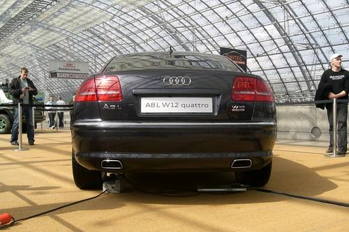 Audi A8 W12 Price. Audi A8 W12 quattroの映画との