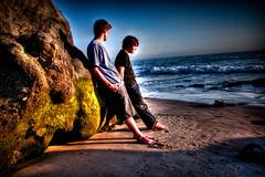 ... And Enjoy the Show (markloyola) Tags: ocean sunset shadow seaweed beach rock moss sand kevin shadows footprints laguna hdr lagunabeach 3xp photomatix meurer