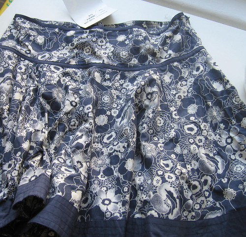 flouncy skirt (before)