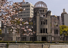 Genbaku Dome (WilliamBullimore) Tags: japan hiroshima cherryblossom sakura abombdome hiroshimaprefecture genbakudome hiroshimapeacememorial hiroshimapeacememorialpark mywinners estremit hiroshimashi