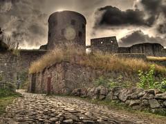 Bohus Fstning / Bohus Fortress (joakimanka) Tags: clouds stones medieval fortress hdr darkclouds hdri moln kunglv bohus bohusfortress kungalv medievalfortress bohusfstning mrkamoln olympuse3 fstningn