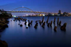 Fremont & Pilings (Jon Asay ) Tags: bridge night oregon river portland twilight long exposure fremont pilings willamette