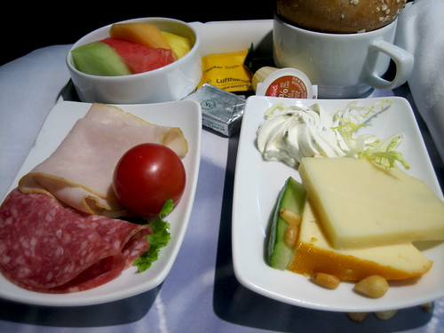 Lufthansa - Cheese and Meat Breakfast