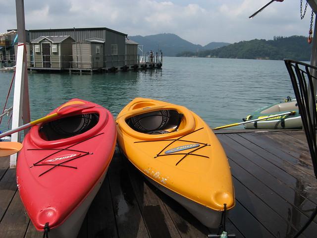 canoes, houseboat in the Sun Moon Lake, Taiwan.