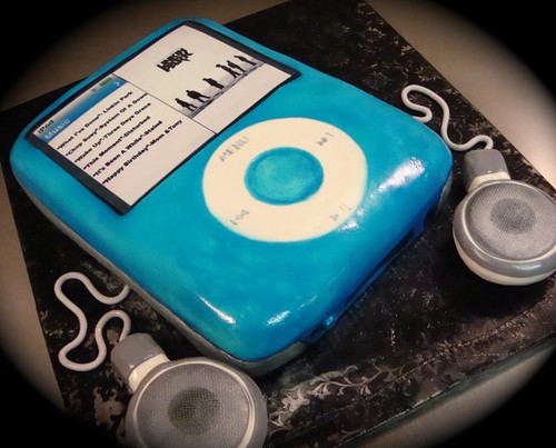 blue ipod cake