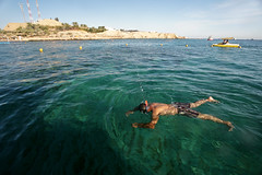 Sharm El Sheikh. Naama Bay. Snorkling (WomEOS) Tags: holiday beach swimming mask redsea egypt sharmelsheikh snorkling 2009 corals canon1740 naamabay