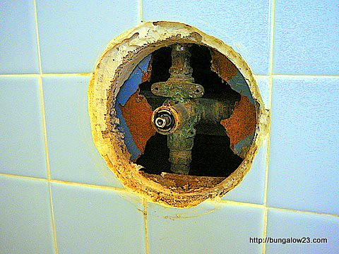 Exposed shower valve