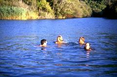 Baignade dans la lagune de l'embouchure du Fangu à Galeria