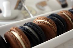 Black Macaron & Chocolate Macaron
