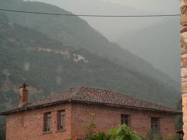 Ανατολική Μακεδονία & Θράκη - Δράμα - Δήμος Προσοτσάνης Καλοκαιρινή βροχή στο χωριό Χαριτωμένη