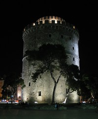 White Tower, Thessaloniki, Greece (Tilemahos Efthimiadis) Tags: favorite hellas greece macedonia 100views thessaloniki 200views fav 50views whitetower openstreetmap makedonia   platinumheartaward   osm:way=140156303 address:country=greece address:city=thessaloniki