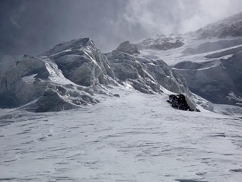Ледопад, место традиционного перехода с Журавлева на Абалакова