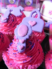 Cupcakes pink (Mily'sCupcakes) Tags: pink ladies party argentina girl cookies cake cupcakes buenos aires boxes spa toppers acetato acetate cajas milys