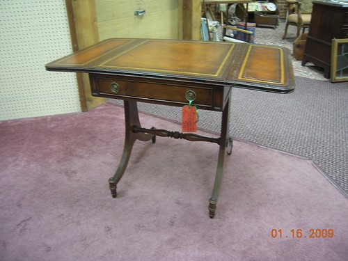 Mahogany Drop-Leaf Side Table