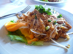 Pad Thai by basykes