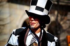 Sacado de un cuento (srgpicker) Tags: carnival white black lomo nikon gimp zaragoza suit disfraz carnaval nikkor thegimp carnevale fakelomo traje vr fauxlomo 55200 d40 nikond40