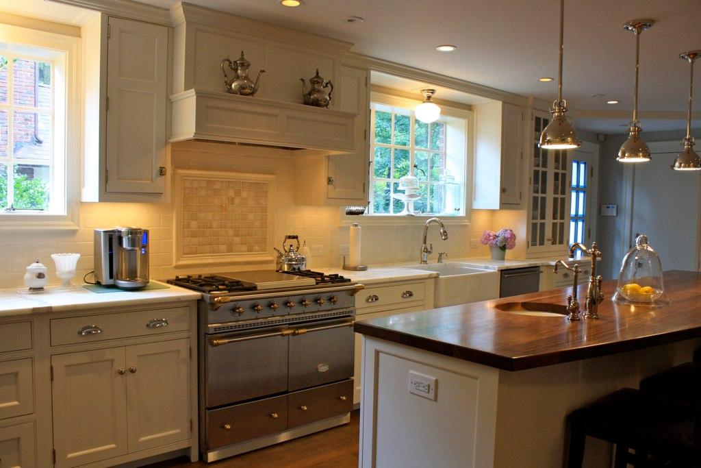 Finished Kitchen Creamy White Lacanche Calacatta