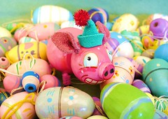 ham & eggs ? (judibird) Tags: wood pink holiday art animals easter toy piggy pig miniature doll handmade oneofakind ooak painted craft kitsch dot ornament handpainted eggs collectible figurine whimsical chenille vintagestyle anthropomorphic pipecleaner judibird