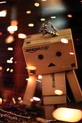 Disco Danbo? (sⓘndy°) Tags: sanfrancisco canon toy toys box figure figurine sindy kaiyodo yotsuba danbo revoltech danboard 紙箱人 阿楞 colorsinourworld amazoncomjp