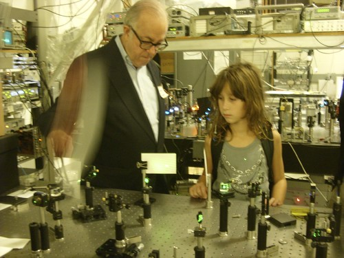 John G. Cramer explains his experiment to his grand-daughter Selena