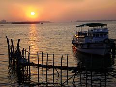An evening at Cochin Harbour (GOPAN G. NAIR [ GOPS Creativ ]) Tags: india tourism photography harbour kerala cochin kochi backwaters gopsorg gopangnair