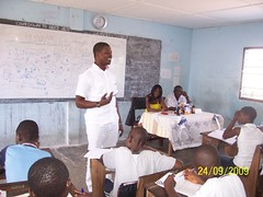 "Bright speaking to students about the pandemic (HIV/AIDS) • <a style=""font-size:0.8em;"" href=""http://www.flickr.com/photos/48668870@N02/4565904300/"" target=""_blank"">View on Flickr</a>"