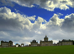 Castle Howard Sky (Tony Worrall Foto) Tags: uk blue england sky castle english home beauty gardens clouds nice tour place cloudy howard north scenic visit scene tourist feature stately yorks castlehoward yorkshir 2014tonyworrall