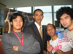 An Indonesian man who looks like Barack Obama. (missjenn) Tags: indonesia indonesian doppelganger lookalike barackobama stuntdouble