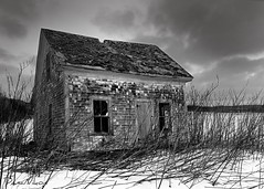 20_Jan_09_01 (Dana Prost) Tags: bw canada farmhouse novascotia blackdiamond d300 blueribbonwinner golddragon mywinners abigfave diamondclassphotographer flickrdiamond blackwhiteaward concordians betterthangood theperfectphotographer bwartaward
