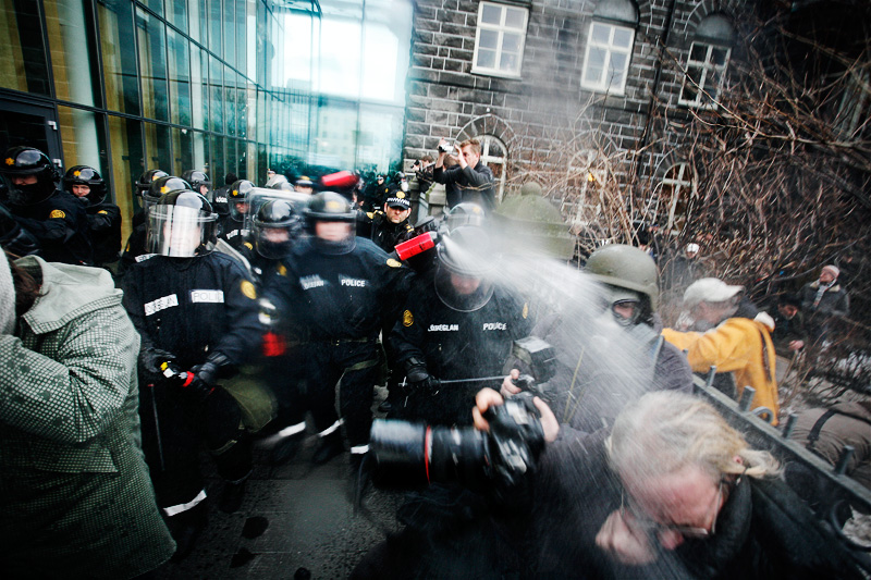 Icelandic police brutality - Proof of my point - Police lies