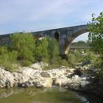 2005-09-17 10-01 Provence 219 Pont Julien thumbnail