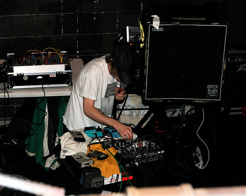 Eric Copeland of Black Dice rocks two Minidiscs and a microphone.