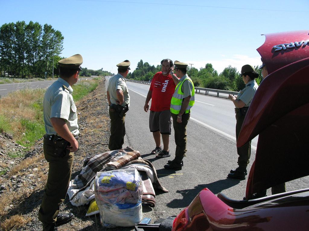"""Au Chili la police s'appelle """"Un ami sur la route""""...IMG_1199"""
