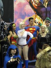 Power Girl, Catwoman, Wonder Woman, Raven, Super Man, Black Canary, Green Arrow, Scarecrow (Vegas PG) Tags: sandiego superman raven comiccon 2009 catwoman blackcanary greenarrow powergirl womderwoman vegaspgcosplay