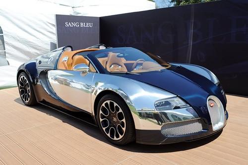 Bugatti Veyron Sang Bleu.jpg