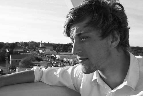 フリー画像| 人物写真| 男性ポートレイト| 外国人男性| イケメン| モノクロ写真| 横顔|     フリー素材|