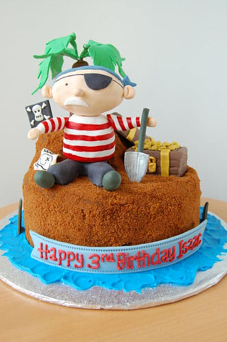 Pirate's treasure cake - front