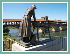 Monumento alla lavandaia di fiume (My soul in pixel..) Tags: ticino estate monumento fiume ponte statua lombardia pavia lavandaie emilius
