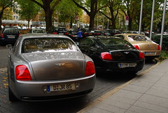 Continentals @ Intercontinental (piolew) Tags: auto black car silver germany photography spur gold hotel flying nikon continental automotive british gt dsseldorf luxury 2009 supercar limousine bentley spotting intercontinental digest combo knigsallee luxurious proper spotter konigsallee d80 piolew