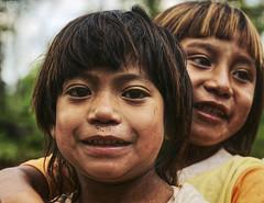 Watch out! (_Massimo_) Tags: argentina children bambini iguazu misiones puertoiguazu massimostrazzeri guaranì mborore ziomamo twilightfootball sonytwilightfootball