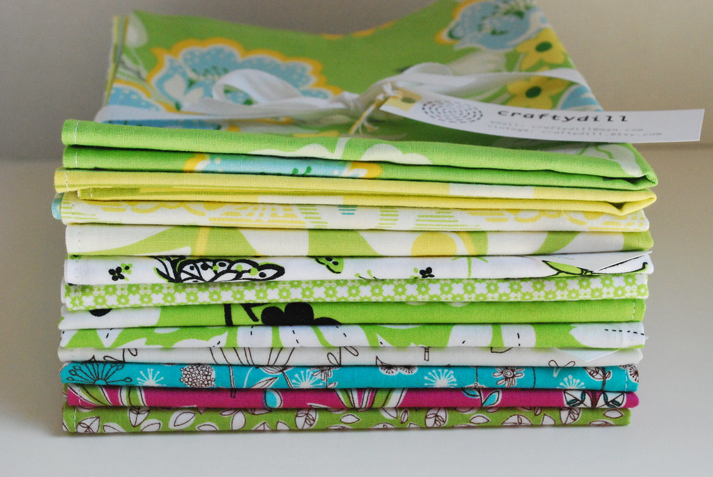 Stack o' cloth napkins