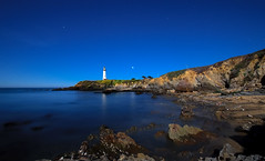 Pigeon Point Lighthouse (ec808x) Tags: beach rocks moonlight pigeonpoint pescadero whalerscove d300 tamron1024mm