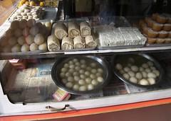 mithai 'sweets' at an Indian cafe (yumievriwan) Tags: india shop restaurant tea sweets bihar internationalfood mithai kodakp880
