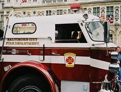 16 JUILLET 2002 / CEREMONIE JUMELAGE BSPP & FDNY / MAIRIE DE PARIS (famille.sebile) Tags: 2002 newyork paris truck fire 911 ps baltimore firefighter fdny firedepartment epa americanlafrance jumelage mairiedeparis bspp brigadedessapeurspompiersdeparis