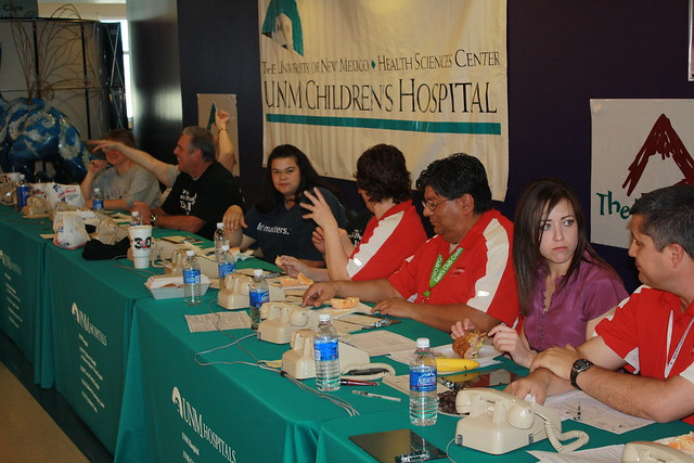 Mayor Chavez visits Radiothon 2009