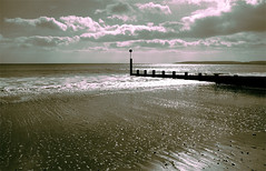 Bournemouth Beach (..Peter) Tags: friends light sea beach clouds sand waves seascapes pebbles dorset british bournemouth purbeckhills bournemouthbeach oldharryrocks coastuk platinumheartaward britishseascapes platinumpeaceaward