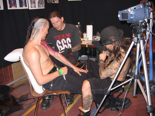 Toxyc tattooing аt tһе Alchemy Tattoo Expo '05 @ Conthey