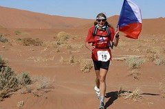 Ivana Pilařová je v cíli Marathonu Des Sables