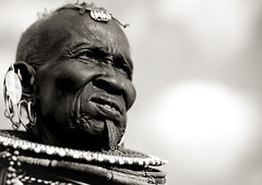Turkana old woman with labret - Kenya (Eric Lafforgue) Tags: africa old portrait people woman face beads kenya african femme culture tribal human elder tribes bead afrika tradition tribe ethnic kenia tribo gens visage afrique ethnology tribu eastafrica agee rift finery beadednecklace qunia 6848 lafforgue ethnie  qunia    beadsnecklace kea   africa east  humainpersonne a